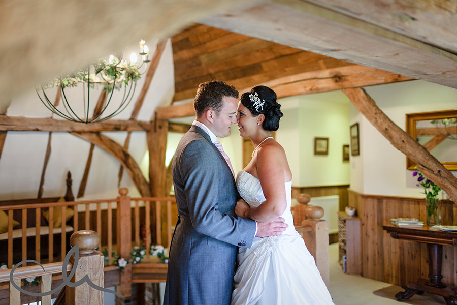 The-Old-Kent-Barn-Wedding-Photography-Darren-&-Tiffany-224