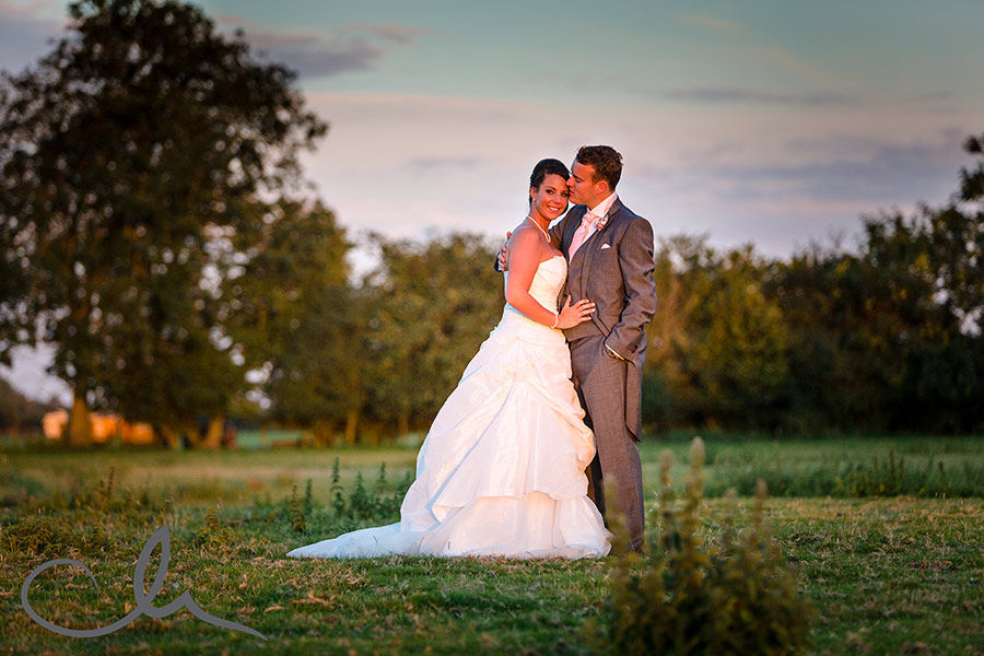 The-Old-Kent-Barn-Wedding-Photography-Darren-&-Tiffany-254
