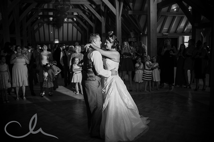 The-Old-Kent-Barn-Wedding-Photography-Darren-&-Tiffany-256
