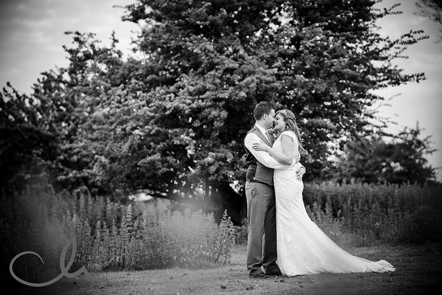 The-Old-Kent-Barn-Wedding-Photographyer---Lynne-&-Mick's-Wedding-109