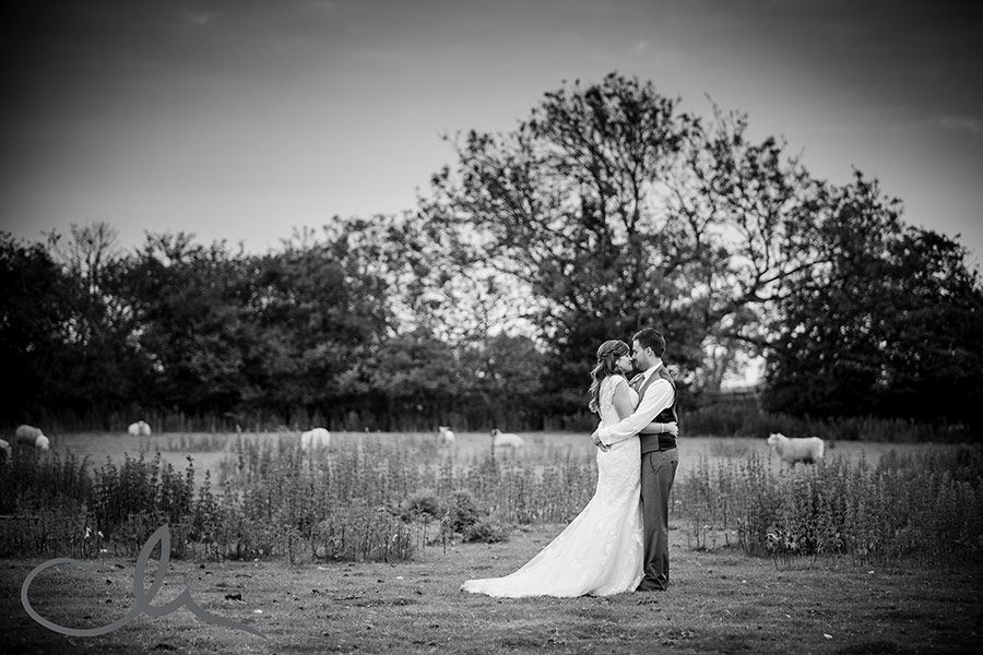 The-Old-Kent-Barn-Wedding-Photographyer---Lynne-&-Mick's-Wedding-113