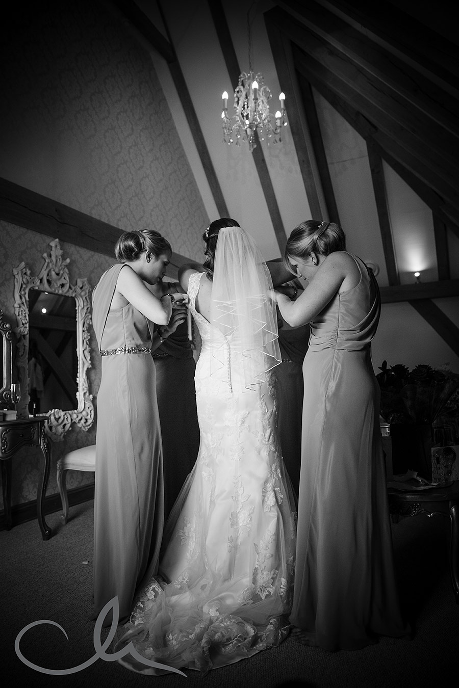 The-Old-Kent-Barn-Wedding-Photographyer---Lynne-&-Mick's-Wedding-18