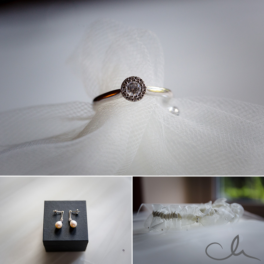 brides-jewellery-at-Knowle-Country-House