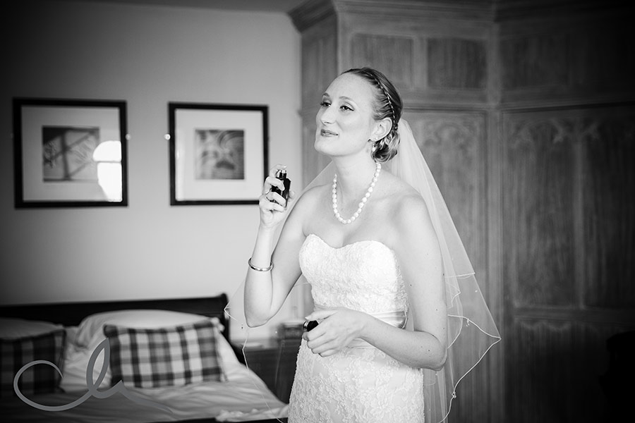 Leeds-Castle-Wedding-Photos---Dan-&-Laura's-Wedding--33