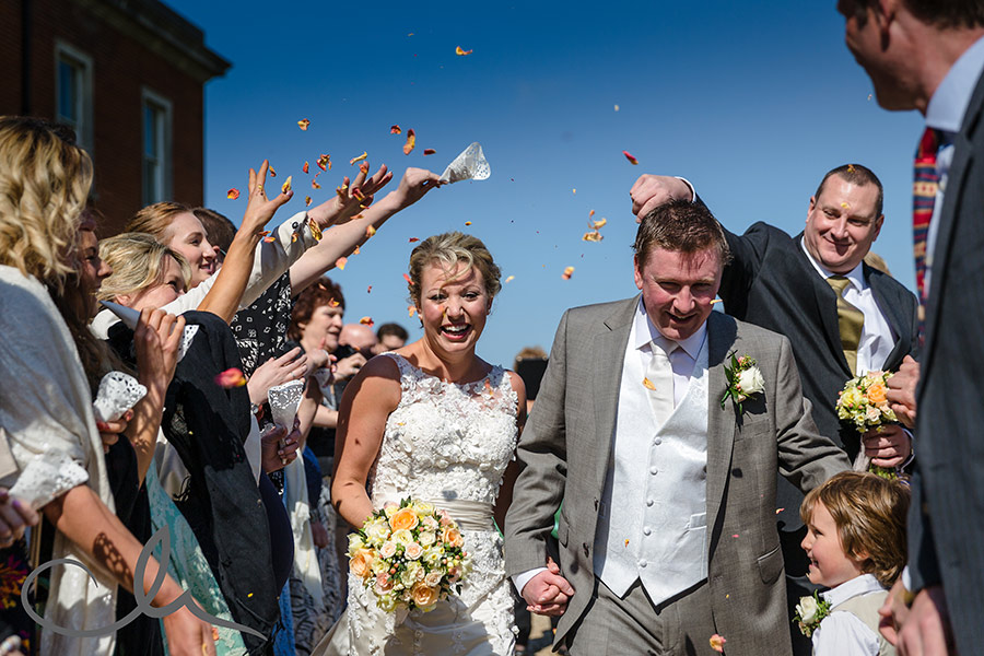 confetti at Mount-Ephraim-Gardens Wedding