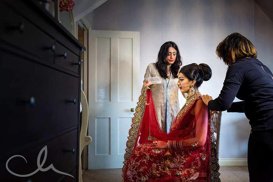 bride prepares for her Sikh wedding in Kent