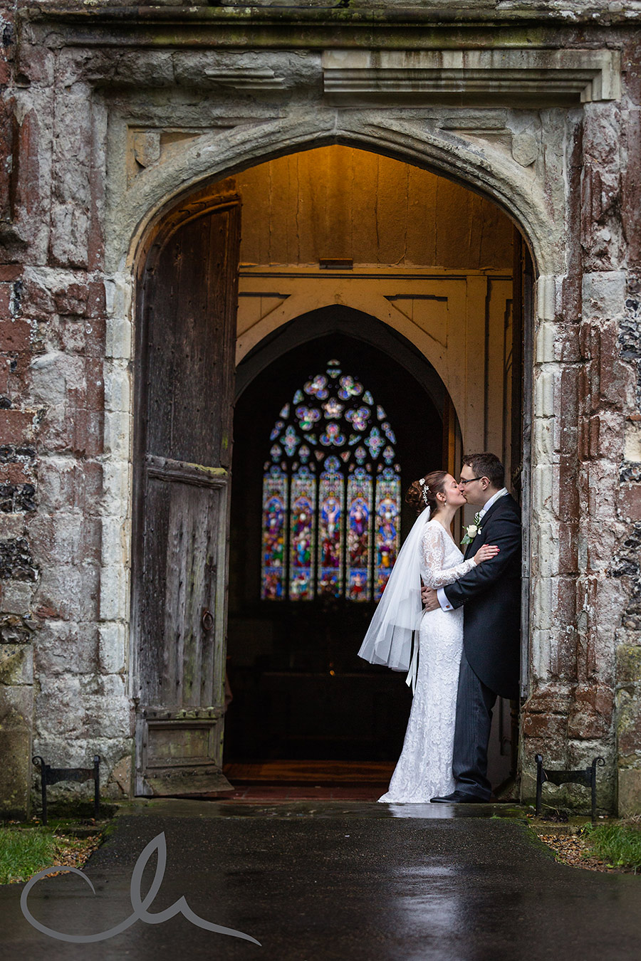 Sarah-&-Dan's-Chilham-Church-Wedding-photos