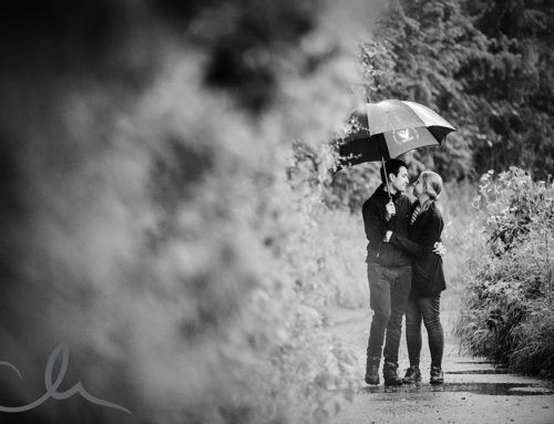 Bradley & Sarah's drizzly engagement shoot in the Kent countryside